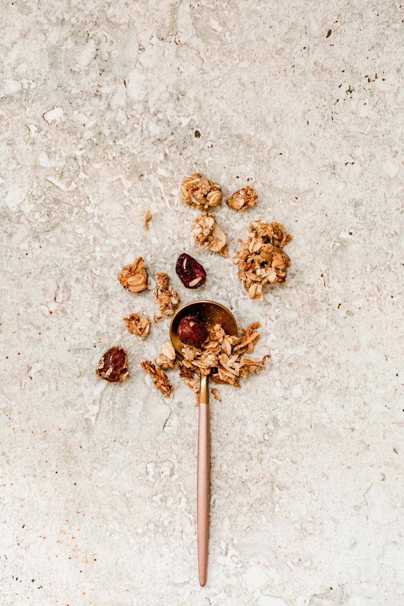 recette de granola fait maison, granola croquant et avec méga grosses pépites