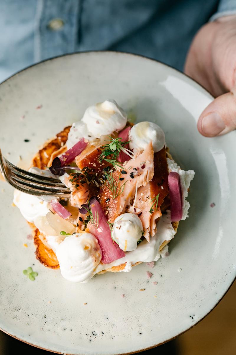 syrniki-pancake-ricotta-fumoirs-gosselin-saumon-mllecoton-marine le berre