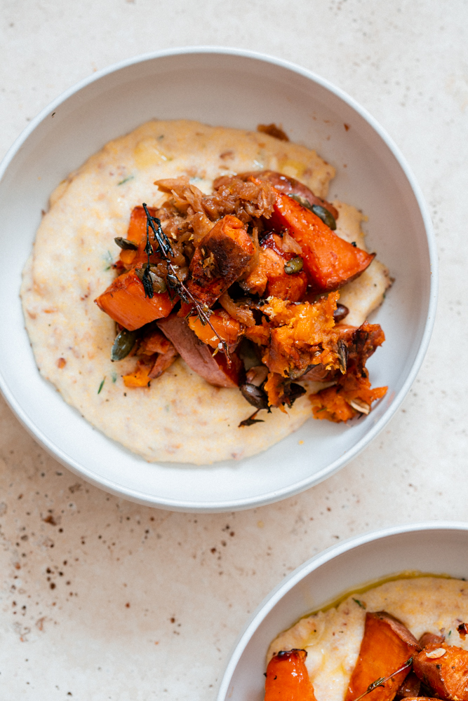 Polenta au sarrasin et patate douce au jus d'orange et jus de prune fumée. Avec un confit de fenouil. Plat réconfortant et acidulé !